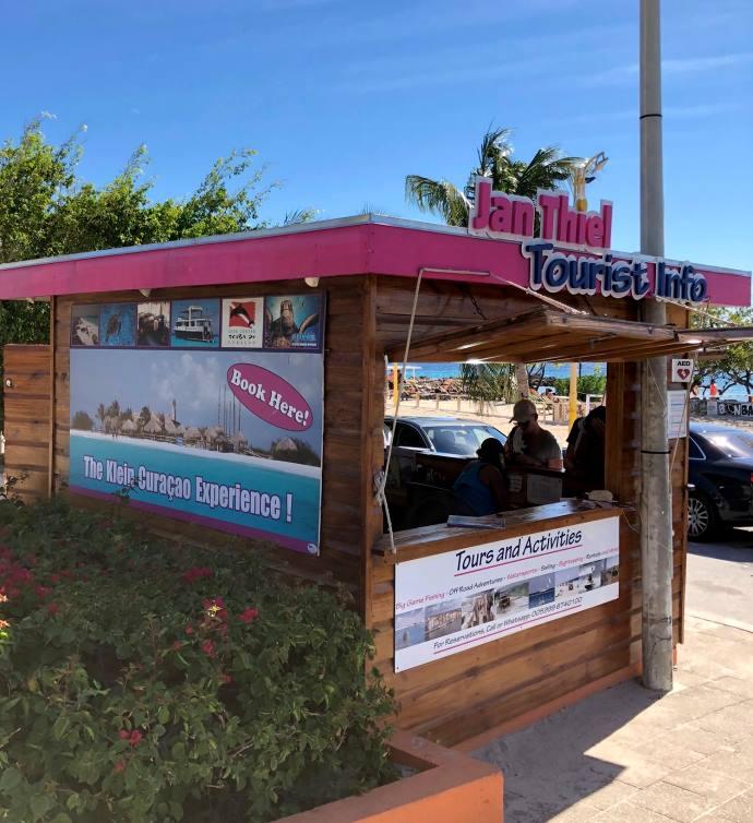 Onze kiosk op Jan Thiel Beach Curacao